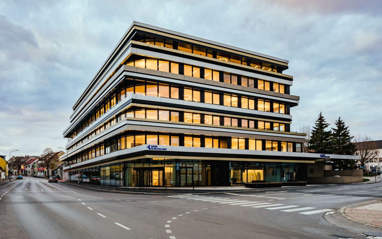 Bank Burgenland | neudoerfler | Interior
